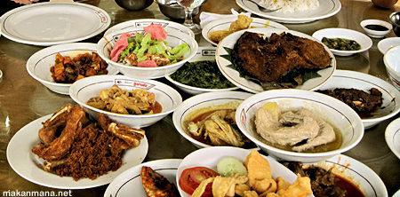 Rumah Makan Padang Garuda 1
