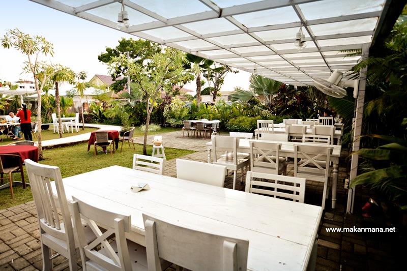 Gardenia Tropical Garden Resto 4