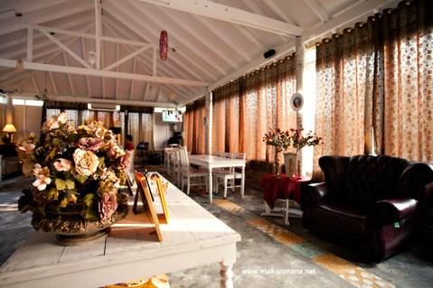 interior gardenia 02 480x319 Gardenia Tropical Garden Resto
