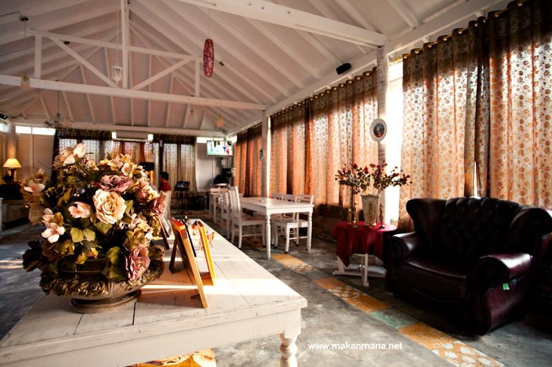 Gardenia Tropical Garden Resto 6