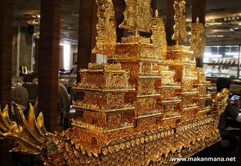 kapal emas Golden Dragon Seafood, Hermes Place Polonia