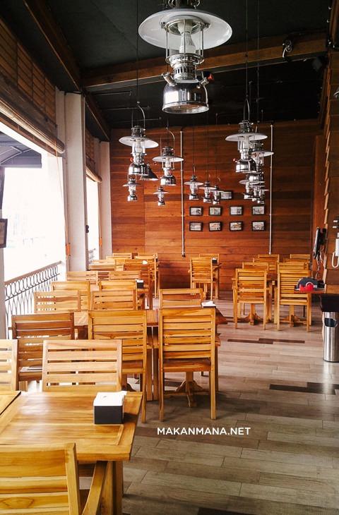 Interior Outdoor lantai 2