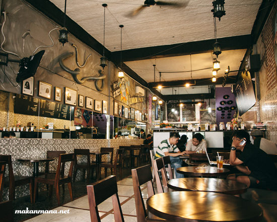 Coffee 45 interior
