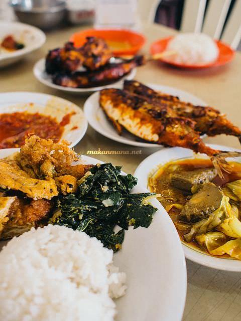 nasi sayur warung tisya medan RM Warung Tisya, Jalan Sekip
