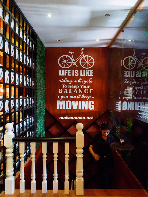 M avenue cafe