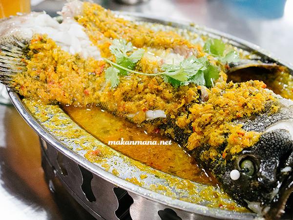 Ikan steam ala nyonya Sondoro Fish Market & Seafood Restaurant