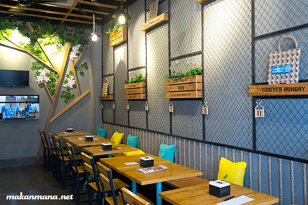 interior fluffy cups medan Fluffy Cups Crepes & Waffles