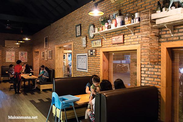 interior goedang koffie
