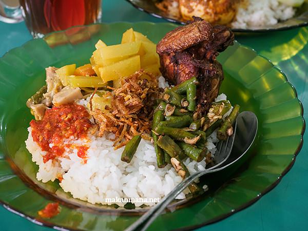 Nasi sayur pake ayam (19rb)