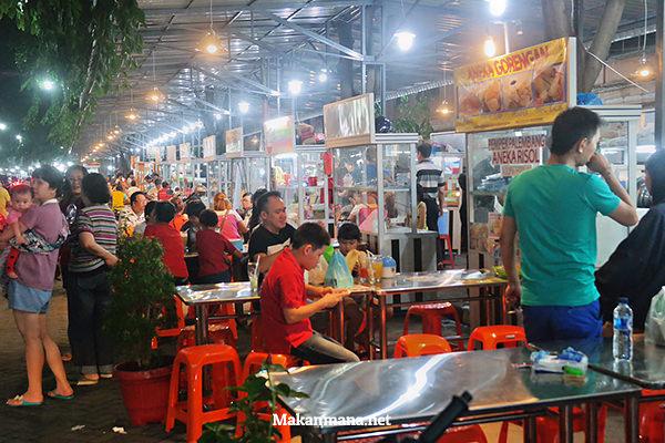 asia mega mas food court