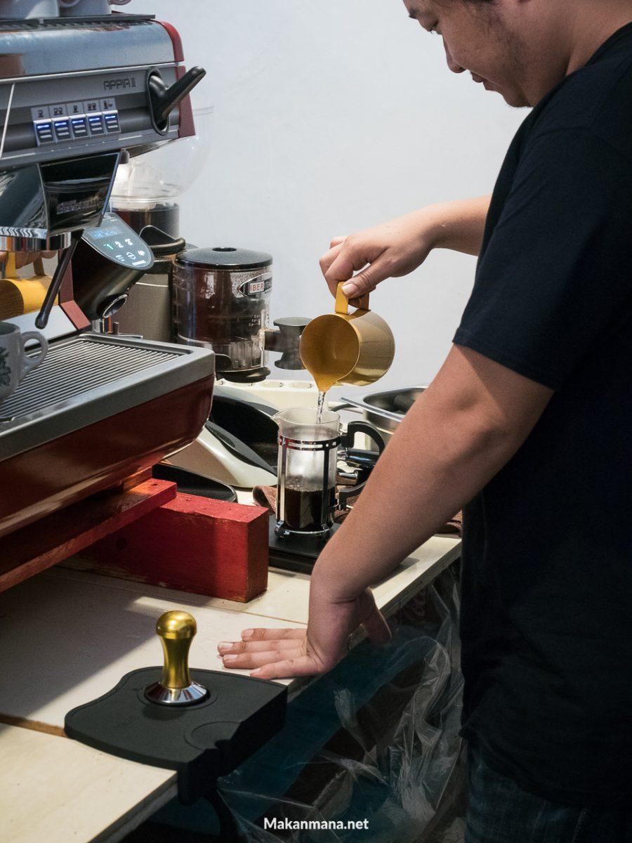 coffeeholic barista