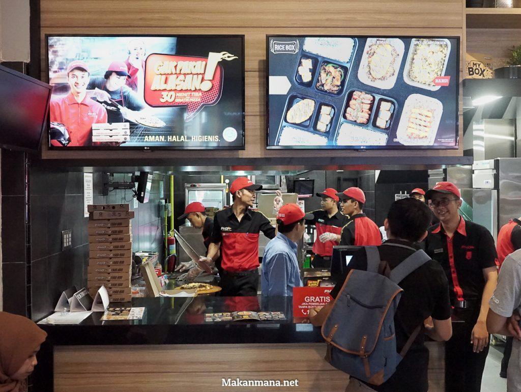 Laper tapi Mager? Dengan Pizza Hut Delivery #GakPakaiAlasan 30 Menit Dijamin Tiba 2