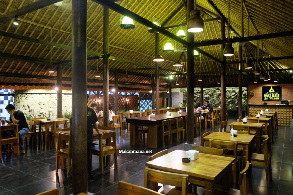 Gak usah sampe ke Bali untuk rasain sedapnya Babi Guling Bu Wayan 6