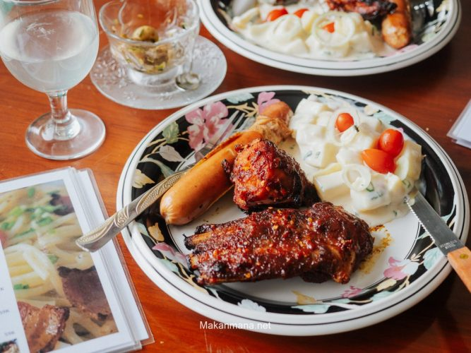 Little Mingle With Elly Of Sabas Cafe yang Menyajikan Menu khas Denmark (Closed) 1