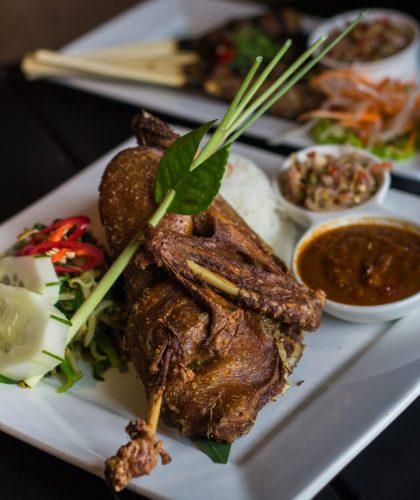 Lebih Akrab Lagi dengan Aroma Bali di Kakatua Lounge 1