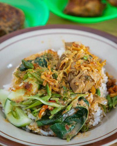 Hidangan Teras Asyifa: 'Nasi Khas Minang ini Belum Pernah Mengecewakan' 1