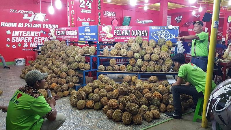 pelawi durian