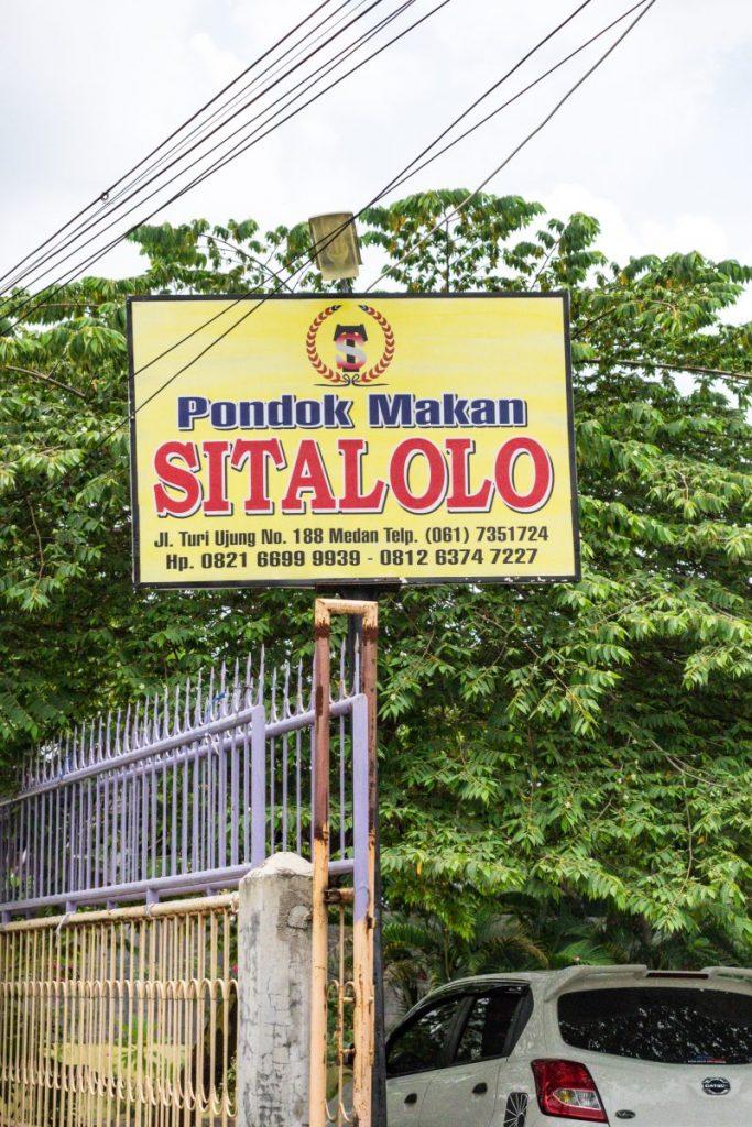 Pondok Makan Sitalolo - Ternyata Begini Kuliner Tepi Danau Khas Batak! 21