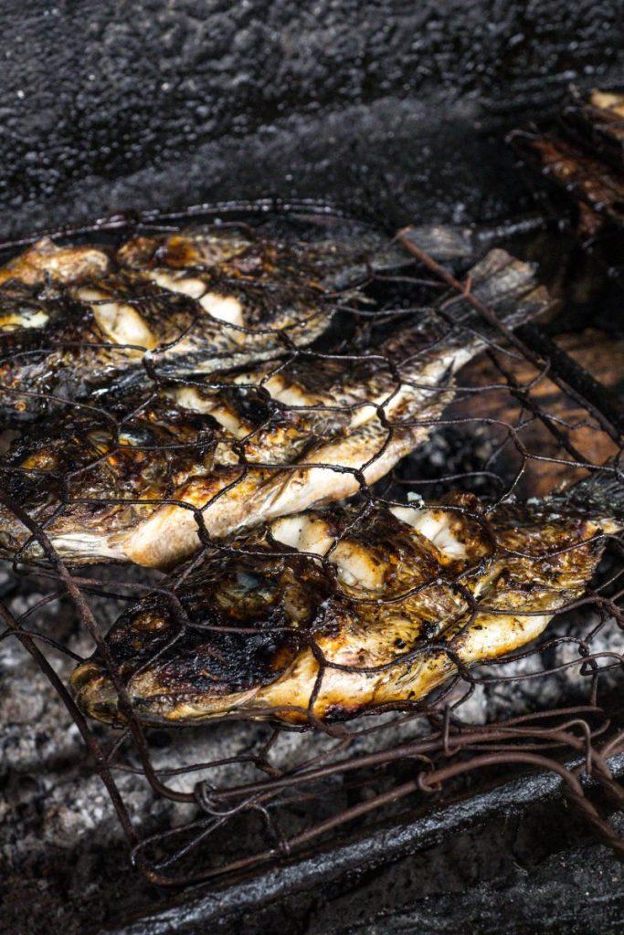 Pondok Makan Sitalolo - Ternyata Begini Kuliner Tepi Danau Khas Batak! 10