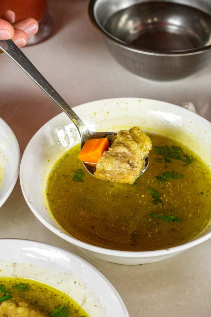 Pondok Makan Sitalolo - Ternyata Begini Kuliner Tepi Danau Khas Batak! 13