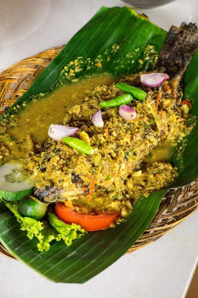 Pondok Makan Sitalolo - Ternyata Begini Kuliner Tepi Danau Khas Batak! 19