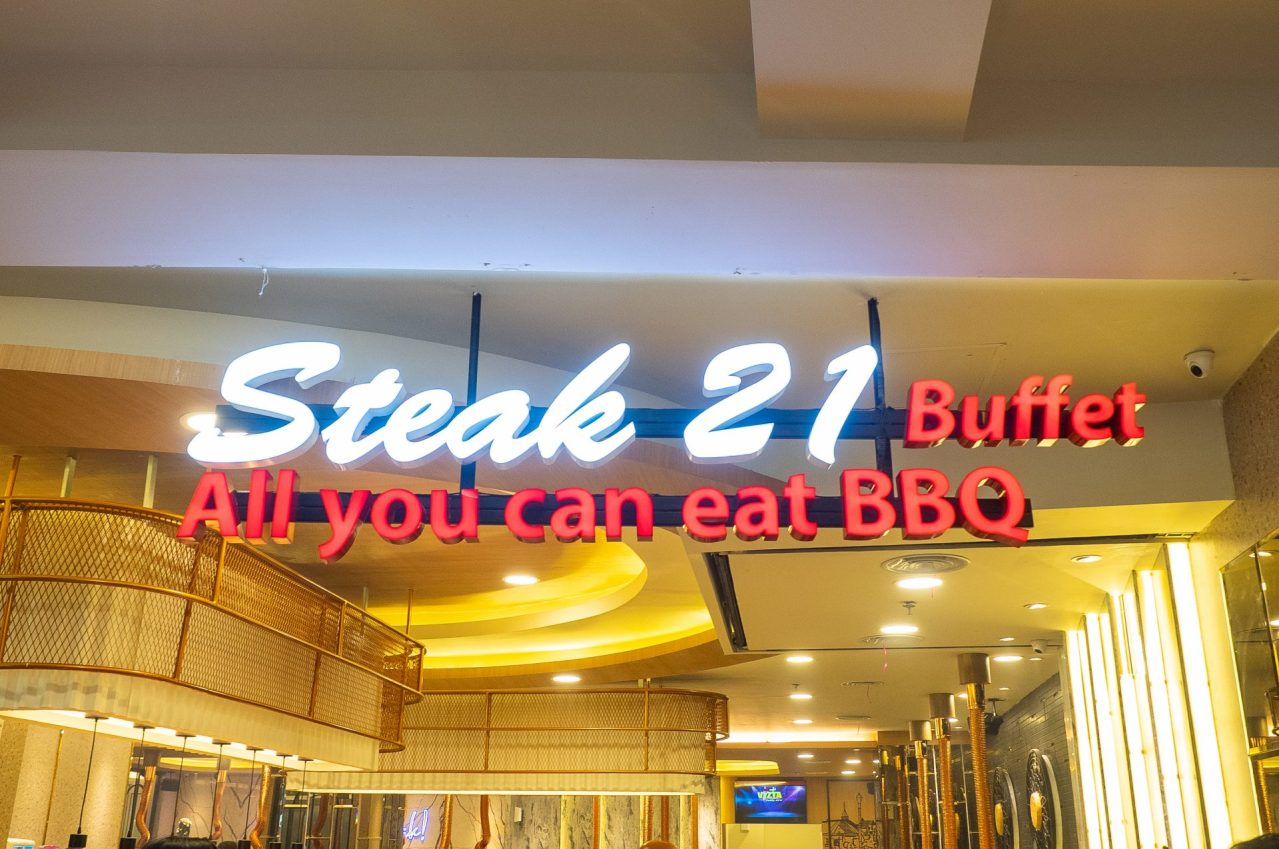 ALL YOU CAN EAT! Steak 21 Buffet di Deli Park Podomoro Medan 4